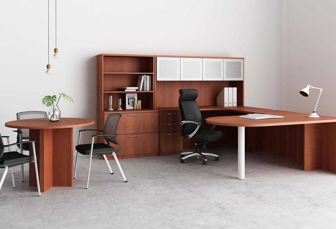 Gitana executive office with small table