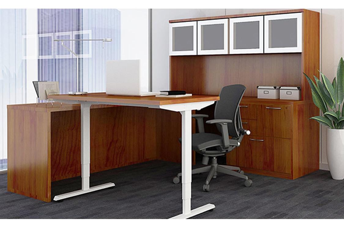 Gitana with My-Hite standing desk